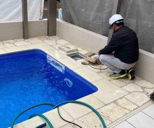 プール工事の様子